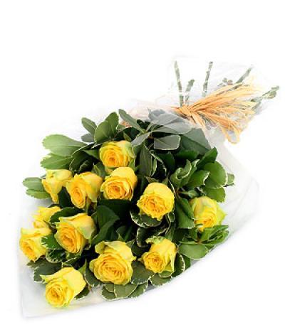 Розы желтые.